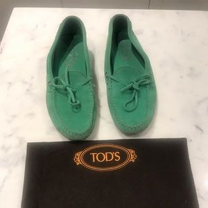 Tod's loafers with soft rubber bottoms sz 39